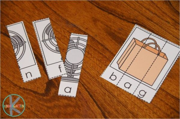 CVC Word Puzzles are such a fun way for preschool and kindergarten to practice sounding out words