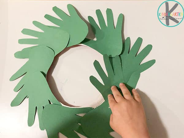 toddler, preschool, kindergarten wreath craft