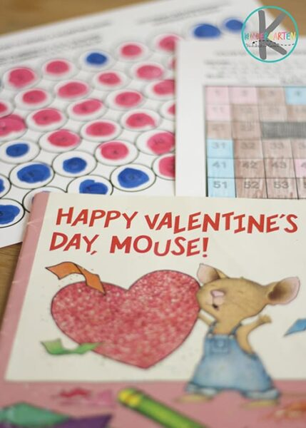 FREE Happy Valentine's Day Mouse Worksheets - free printable color by number and color by hundreds chart worksheets to practice counting with a fun valentines day math activity fir kindergarten and first grade #valentiensday #hundredschart