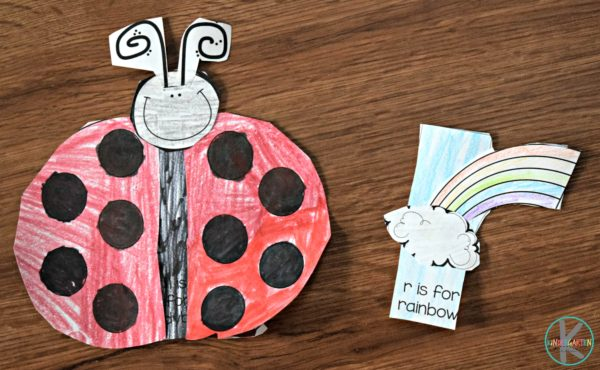super cute lowercase letter crafts for toddlers, preschoolers and kindergartners to make while they learn their alphabet letters
