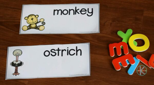 Super cute free printable to help kids practice spelling animals A to Z