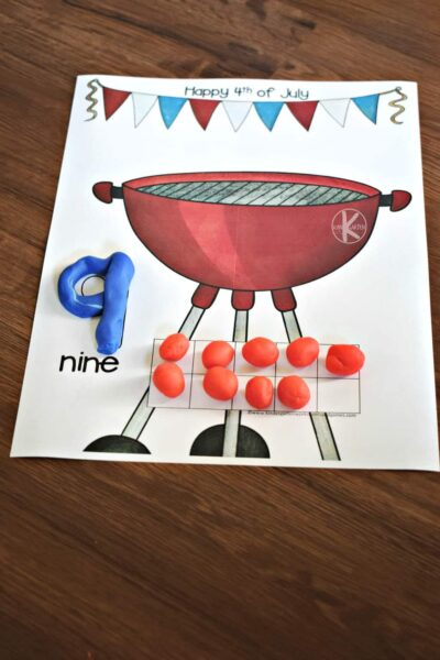 Super cute 4th of July printables for hands on math practice