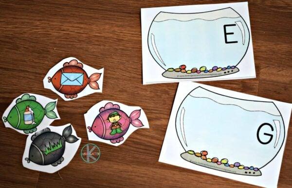 Free printable phonics game for kindergarten age kids