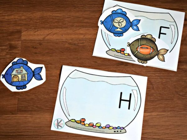This reading readiness activity will help kids start to listen for beginning letter sounds.