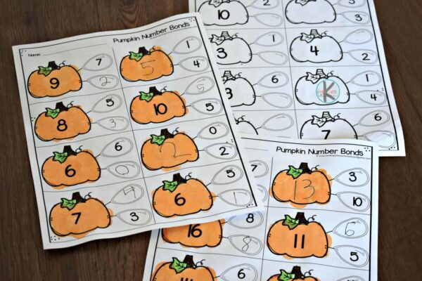 fun, Halloween math activity for practicing addition with kindergarten and first grade kids