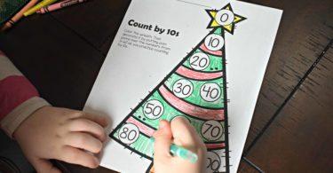 kindergarten-Christmas-math-activity-free