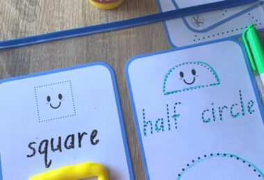 Make learning shapes fun with these free printable Shape Tracing Printables for toddler, preschool, pre k, and kindergarten age students. These can be used with dry erase markers or playdough.