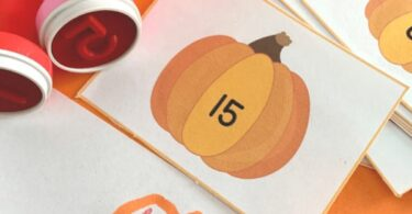 Who is excited that Fall is almost here? Perhaps it is time to get Back to School or start school at home? Either way, make learning fun with this pumpkin numbers stamping activity to make a numbers pumpkin patch!