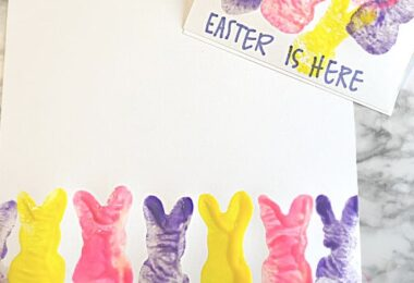 FUNpeep craft. Thiseaster painting for kids is such a pretty project that will delight kids of all ages. Use thissimple easter crafts for kidswith toddler, preschool, pre-k, kindergarten, and first grade students.